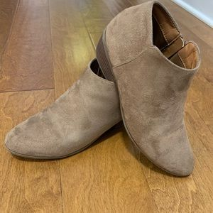 Bella Marie Ankle Booties size 8.5